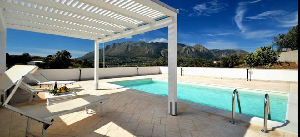 Villa con piscina Alcamo Sicilia