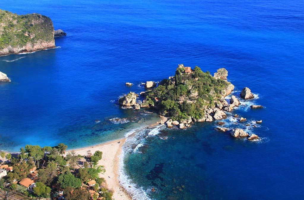 Veduta di Isola Bella - Taormina