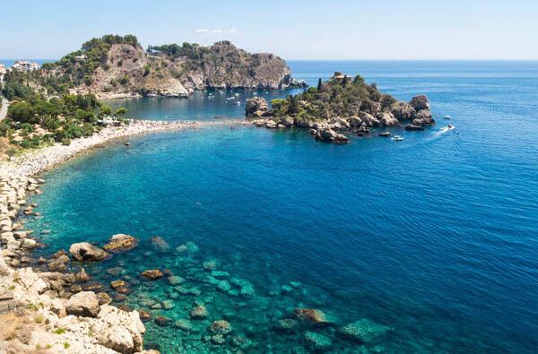 Baia di Taormina in barca a vela da Catania