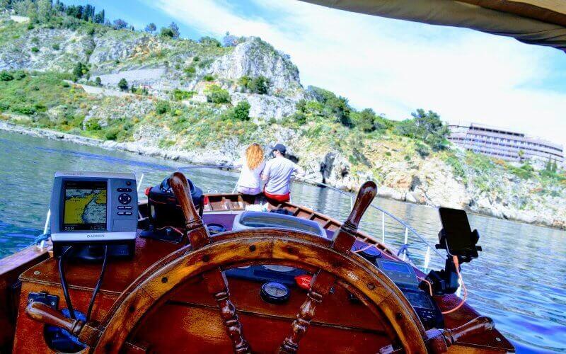 escursione_in_barca_giardini_naxos