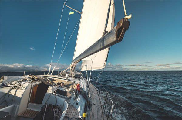 Taormina in barca a vela da Catania